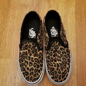 Slip on leopard vans